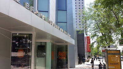 Bronx Museum Of The Arts Parking - Find Cheap Street Parking or Parking Garage near Bronx Museum Of The Arts | SpotAngels