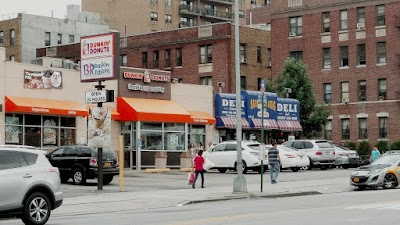 Flushing Parking - Find Cheap Street Parking or Parking Garage near Flushing | SpotAngels