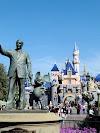 Live traffic in Disneyland Anaheim