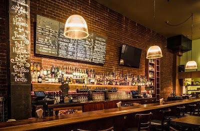 Louie's Bar Parking - Find Cheap Street Parking or Parking Garage near Louie's Bar | SpotAngels