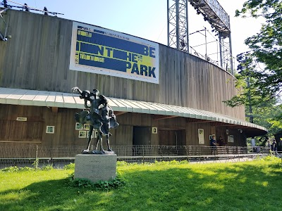 Delacorte Theater Parking - Find Cheap Street Parking or Parking Garage near Delacorte Theater | SpotAngels