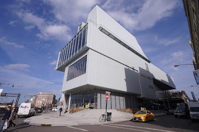Whitney Museum Of American Art Parking - Find Cheap Street Parking or Parking Garage near Whitney Museum Of American Art | SpotAngels