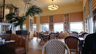 Cliff House Terrace Room Champagne Brunch Parking - Find Cheap Street Parking or Parking Garage near Cliff House Terrace Room Champagne Brunch | SpotAngels