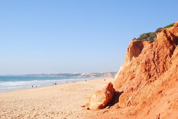Popular tourist site Beach Falésia Açoteias in Algarve
