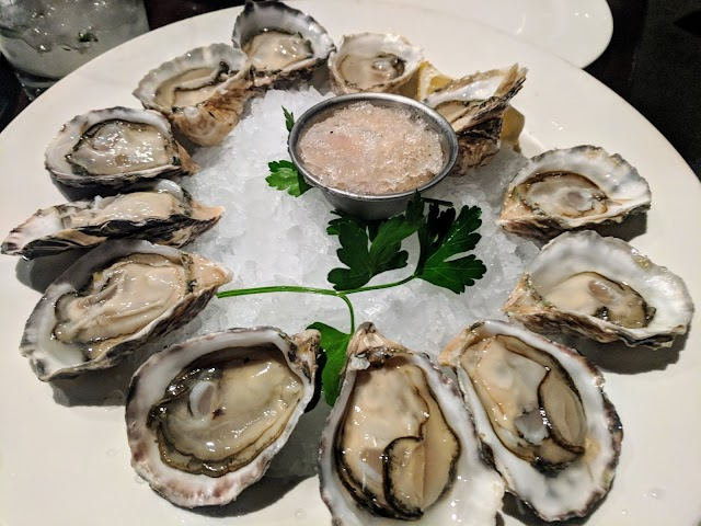 Pearl Seafood & Oyster Bar