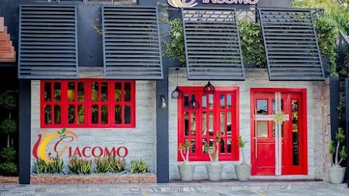 Giacomo Restaurante Cafe