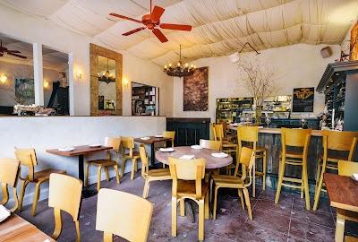 Firefly Restaurant Parking - Find Cheap Street Parking or Parking Garage near Firefly Restaurant | SpotAngels