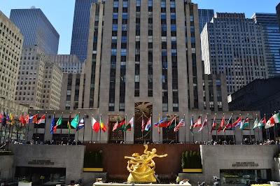 Rockefeller Center Parking - Find Cheap Street Parking or Parking Garage near Rockefeller Center   SpotAngels