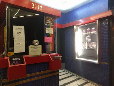 Roxie Theater Parking - Find Cheap Street Parking or Parking Garage near Roxie Theater | SpotAngels