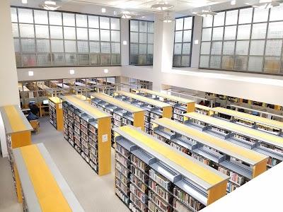 SF Main Library Parking - Find Cheap Street Parking or Parking Garage near SF Main Library | SpotAngels