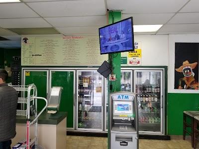 Mr. Pickle's Sandwich Shop Parking - Find Cheap Street Parking or Parking Garage near Mr. Pickle's Sandwich Shop | SpotAngels