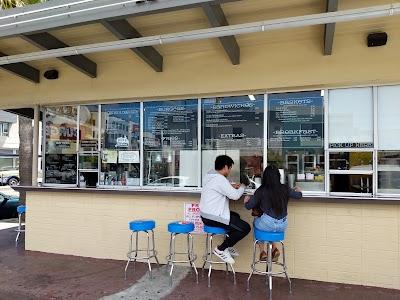 Beep's Burgers Parking - Find Cheap Street Parking or Parking Garage near Beep's Burgers | SpotAngels