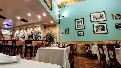 Original U.s. Restaurant Parking - Find Cheap Street Parking or Parking Garage near Original U.s. Restaurant   SpotAngels