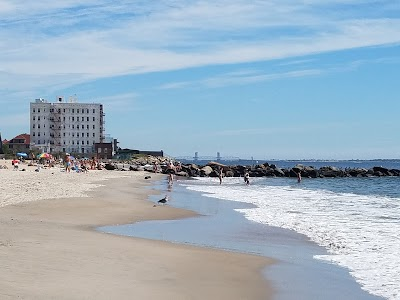 Brighton Beach Parking - Find the Cheapest Street Parking and Parking Garage near Brighton Beach | SpotAngels