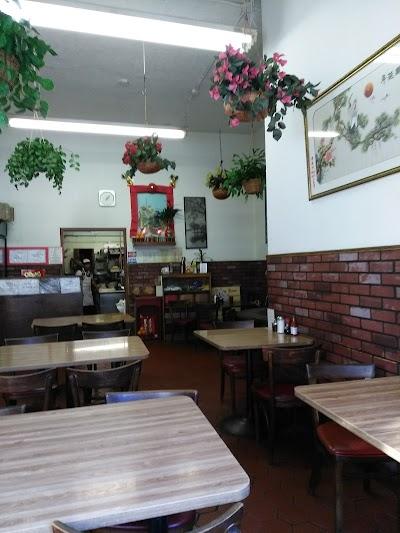 Heung Yuen Restaurant Parking - Find Cheap Street Parking or Parking Garage near Heung Yuen Restaurant | SpotAngels