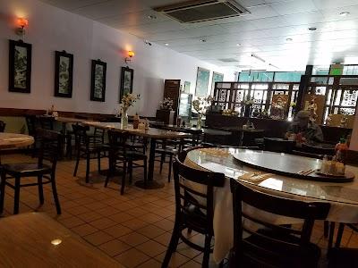 Tung Sing Restaurant Parking - Find Cheap Street Parking or Parking Garage near Tung Sing Restaurant | SpotAngels