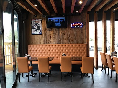 Alley Pond Sports Bar & Grill Parking - Find Cheap Street Parking or Parking Garage near Alley Pond Sports Bar & Grill | SpotAngels