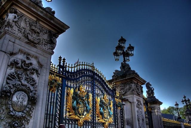 Buckingham Palace banner backdrop