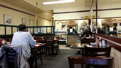 Local Diner Parking - Find Cheap Street Parking or Parking Garage near Local Diner | SpotAngels