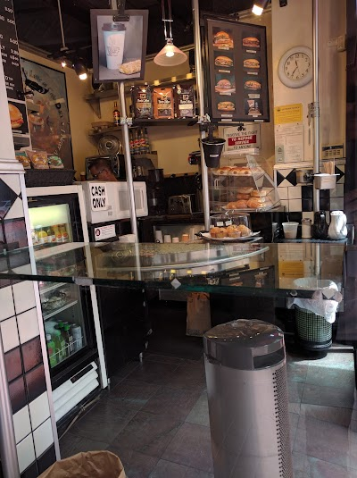 Cafe Dolci Parking - Find Cheap Street Parking or Parking Garage near Cafe Dolci | SpotAngels
