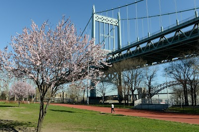 Astoria Park Parking - Find Cheap Street Parking or Parking Garage near Astoria Park | SpotAngels