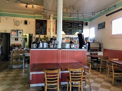 Fresh & Natural Charlie's Cafe Parking - Find Cheap Street Parking or Parking Garage near Fresh & Natural Charlie's Cafe | SpotAngels