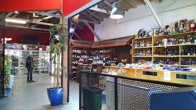 Garage Cafe Parking - Find Cheap Street Parking or Parking Garage near Garage Cafe | SpotAngels
