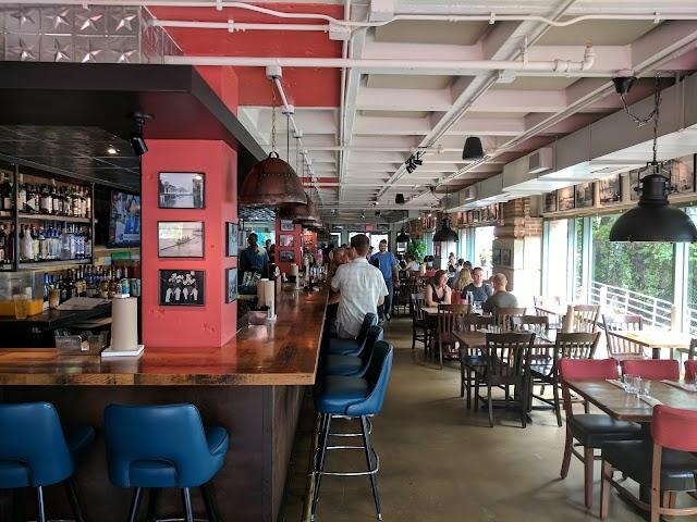 Vola's Dockside Grill and Hi-Tide Lounge