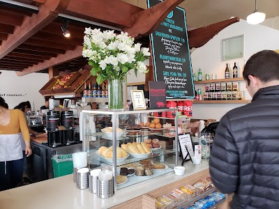 Café In The Park Parking - Find Cheap Street Parking or Parking Garage near Café In The Park | SpotAngels