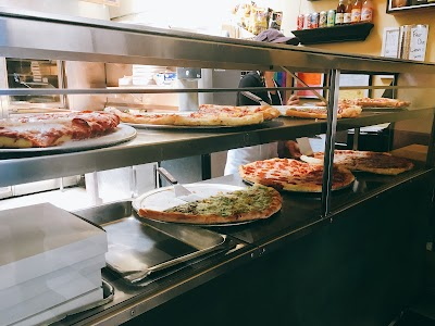 Marcello's Pizza Parking - Find Cheap Street Parking or Parking Garage near Marcello's Pizza | SpotAngels