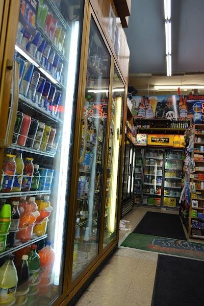 Michaelis Food Store Parking - Find Cheap Street Parking or Parking Garage near Michaelis Food Store | SpotAngels