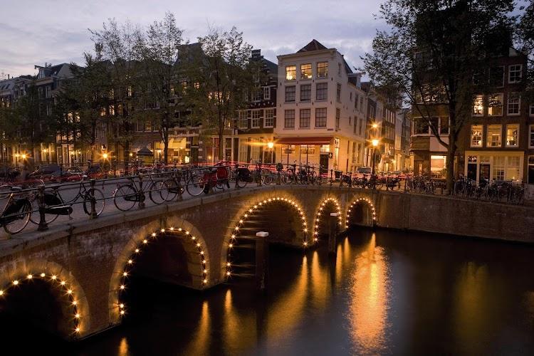 easyHotel Amsterdam City Centre South Amsterdam
