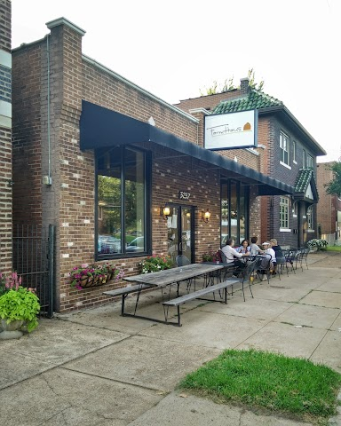 FarmHaus Restaurant