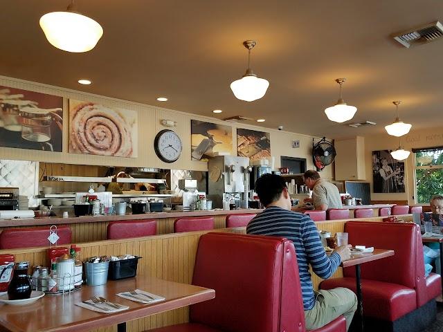 Lil' Jon Restaurant & Lounge