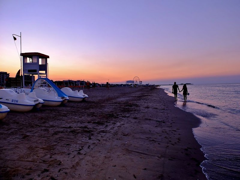 Chiringuito Tiki Beach - Bagno 26 Rimini