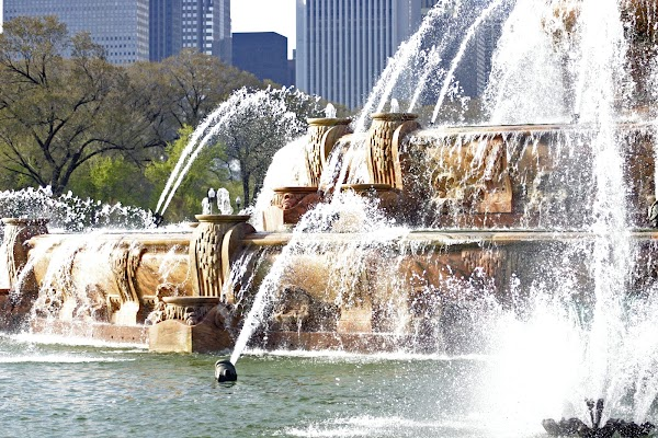 Popular tourist site Buckingham Fountain in Chicago