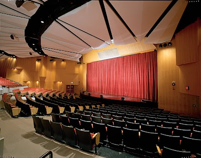 Tribeca Performing Arts Center Parking - Find Cheap Street Parking or Parking Garage near Tribeca Performing Arts Center | SpotAngels