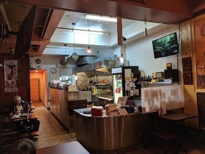 Massawa Restaurant Parking - Find Cheap Street Parking or Parking Garage near Massawa Restaurant | SpotAngels