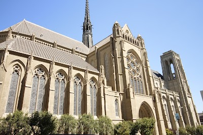 Grace Cathedral Parking - Find Cheap Street Parking or Parking Garage near Grace Cathedral | SpotAngels