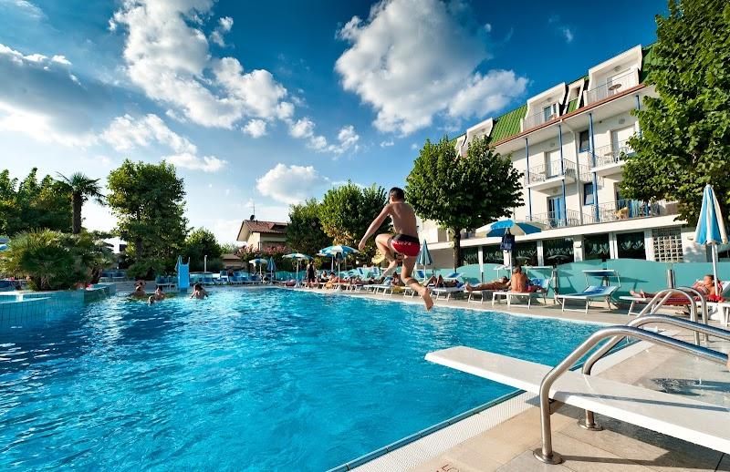 Hotel Paris Resort