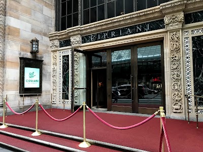 Cipriani 42nd Street Parking - Find Cheap Street Parking or Parking Garage near Cipriani 42nd Street | SpotAngels