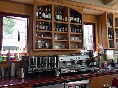 Caffé Delucchi Parking - Find Cheap Street Parking or Parking Garage near Caffé Delucchi | SpotAngels