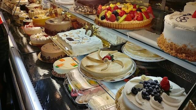 Porto's Bakery and Cafe