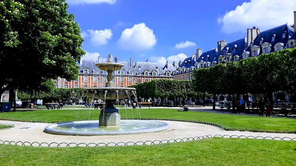 Popular tourist site Place des Vosges in Paris