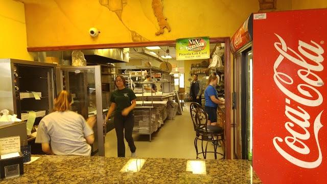 V & V Paesano Pizzeria