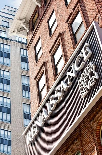Renaissance New York Hotel 57 Parking - Find Cheap Street Parking or Parking Garage near Renaissance New York Hotel 57 | SpotAngels
