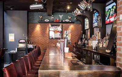 43 Bar & Grill Parking - Find Cheap Street Parking or Parking Garage near 43 Bar & Grill | SpotAngels