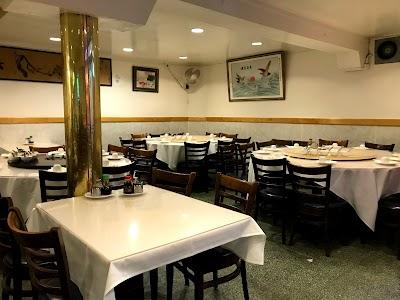 New Woey Loy Goey Restaurant Parking - Find Cheap Street Parking or Parking Garage near New Woey Loy Goey Restaurant | SpotAngels