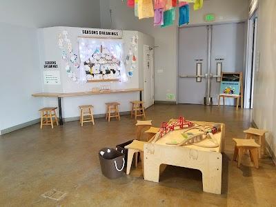 Children's Creativity Museum Parking - Find Cheap Street Parking or Parking Garage near Children's Creativity Museum | SpotAngels