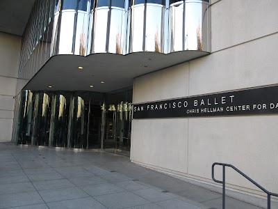 San Francisco Ballet Parking - Find Cheap Street Parking or Parking Garage near San Francisco Ballet | SpotAngels